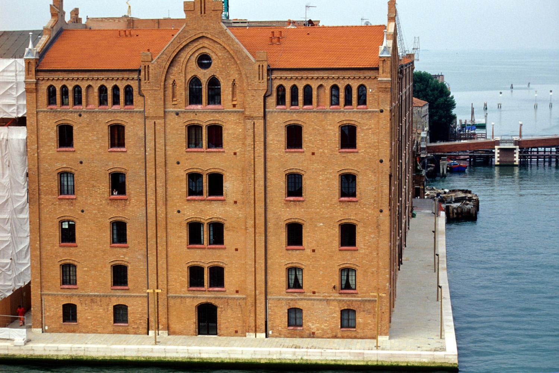 Venezia e le sue lagune venezia moderna for Casa moderna venezia