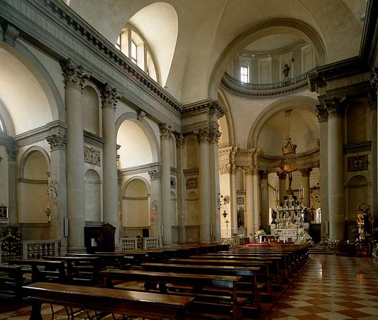 Church of the Redeemer, interior